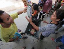 健診活動で積極的に保健セターに協力する保健ボランティア